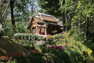 Bhubing Palace grounds